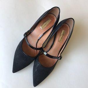 Halogen pointed toe heels